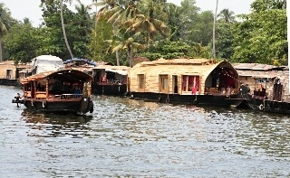 Hausboote in den Backwaters Cochin